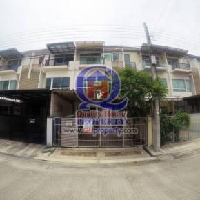 ทาวน์เฮ้าส์3ชั้น โครงการ บ้านใหม่1 ซอยพุทธบูชา36 พร้อมเฟอร์บางส่วน บ้านสวย ขายถูกมาก ต่อราคาได้ ด่วน