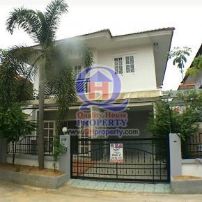 บ้านแฝด บุรีรมย์ (รามอินทรา-ซาฟารี) 37 ตรว. บ้านสวย บิ้วท์ตูเสื้อผ้าทุกห้อง และบิ้วท์เคาร์เตอร์เตรียมอาหาร เจ้าของดูแลอย่างดี ถูกมาก บ้านสวย ด่วน